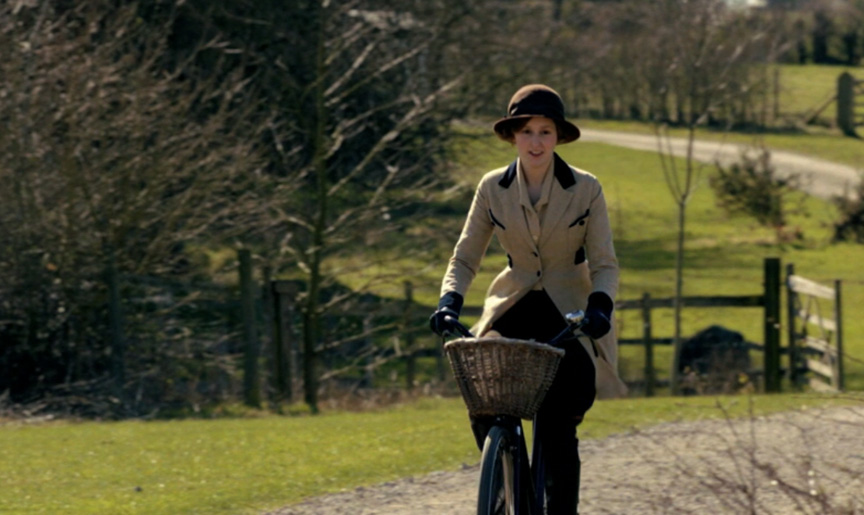 Downton Abbey Season 2: Edith! Hear Hear! – Ani & Izzy