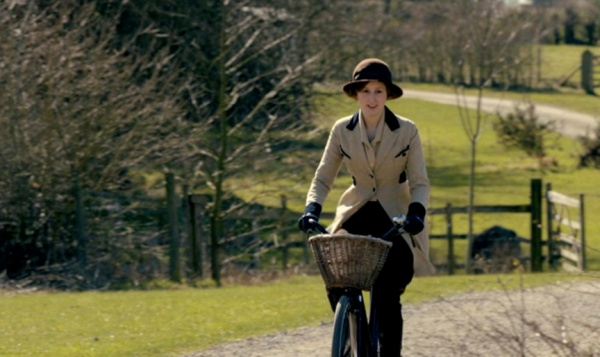 fortheloveofbikes_downton-abbey_lady-edith-crawley