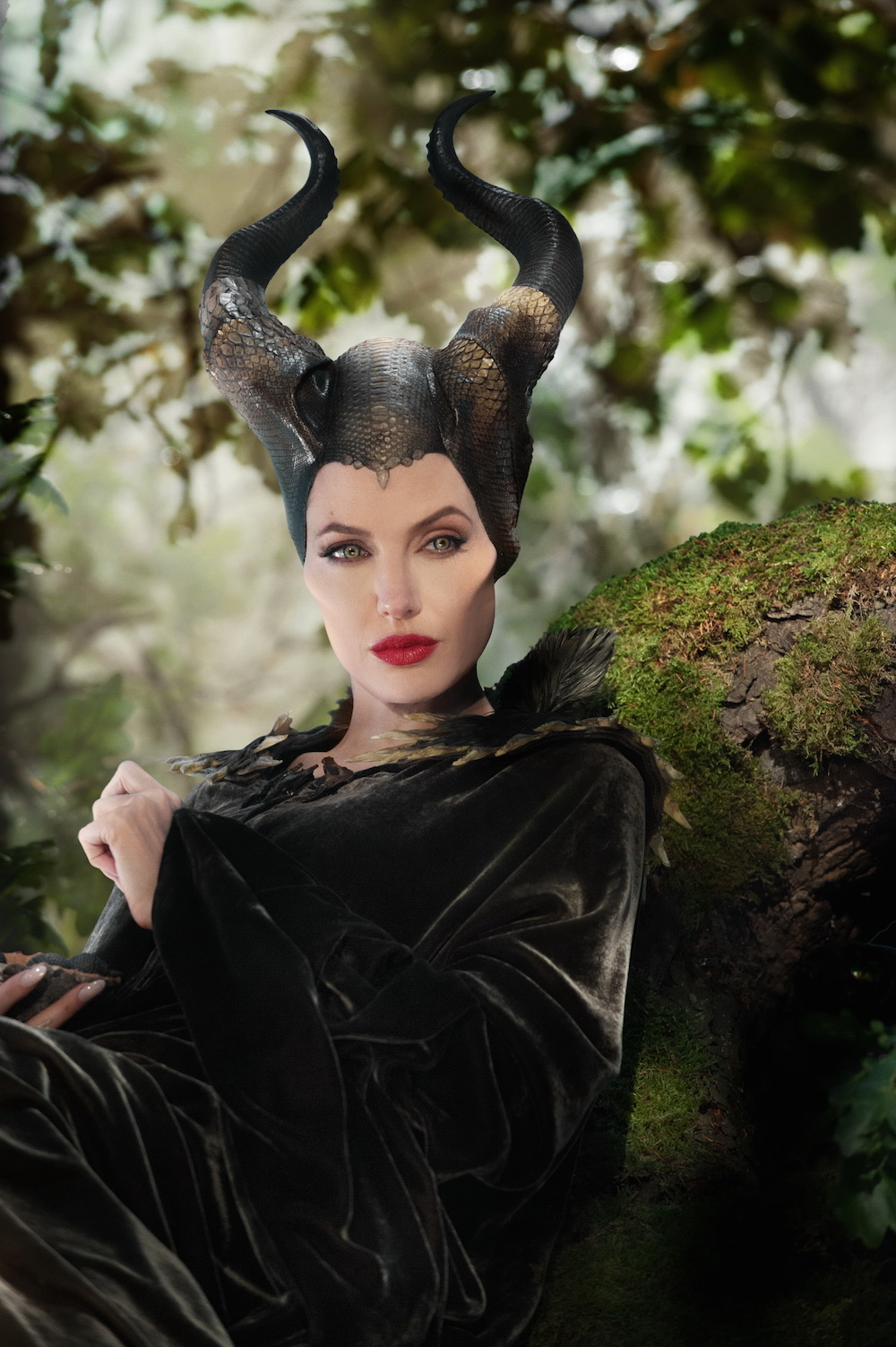 angelina talks about how awesome maleficent is ani izzy. Black Bedroom Furniture Sets. Home Design Ideas
