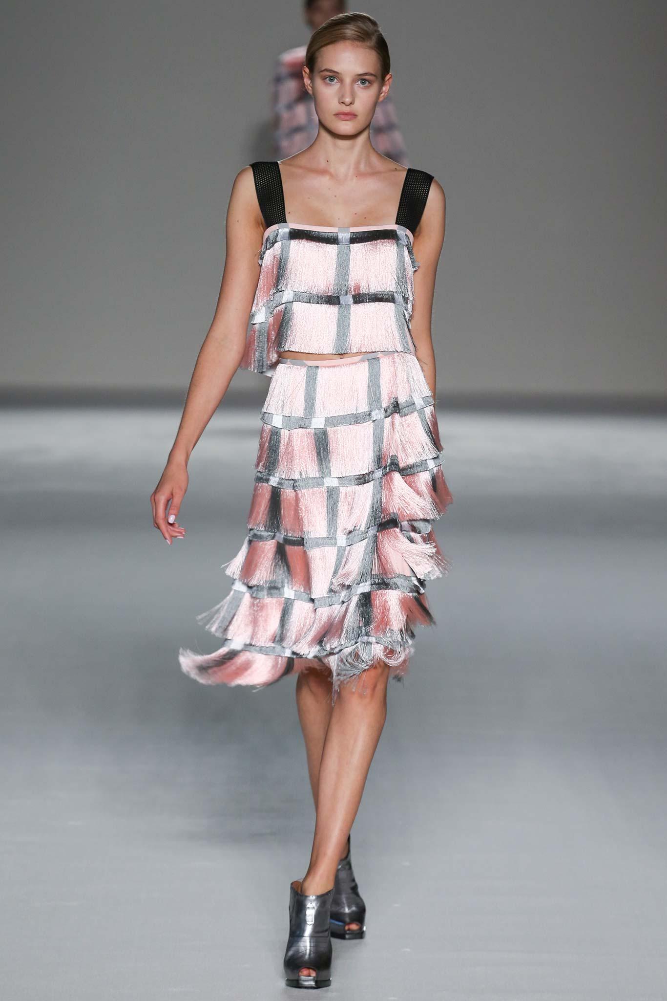 Milan Fashion Week Spring 2015 Rtw Marco De Vincenzo Ani Izzy