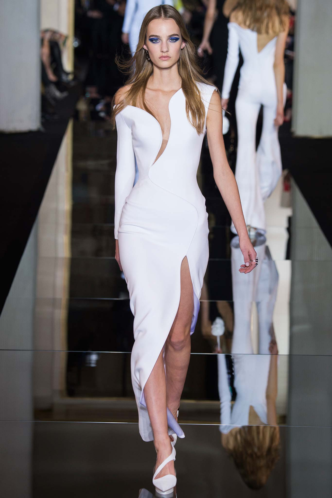Paris Spring 2015 Couture: Atelier Versace – Ani & Izzy