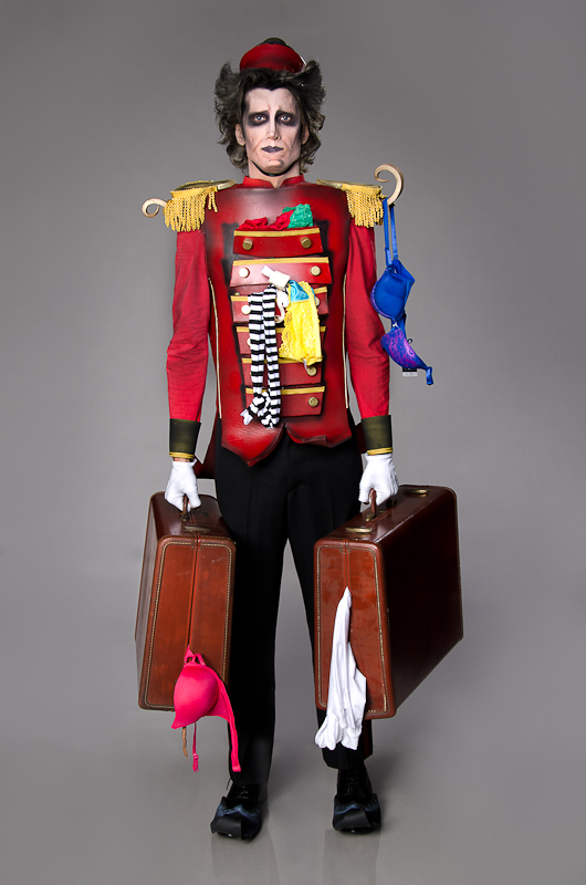 s2Tim-Burton-Bellhop-by-Face-Off-Designer-RJ-Haddy-2