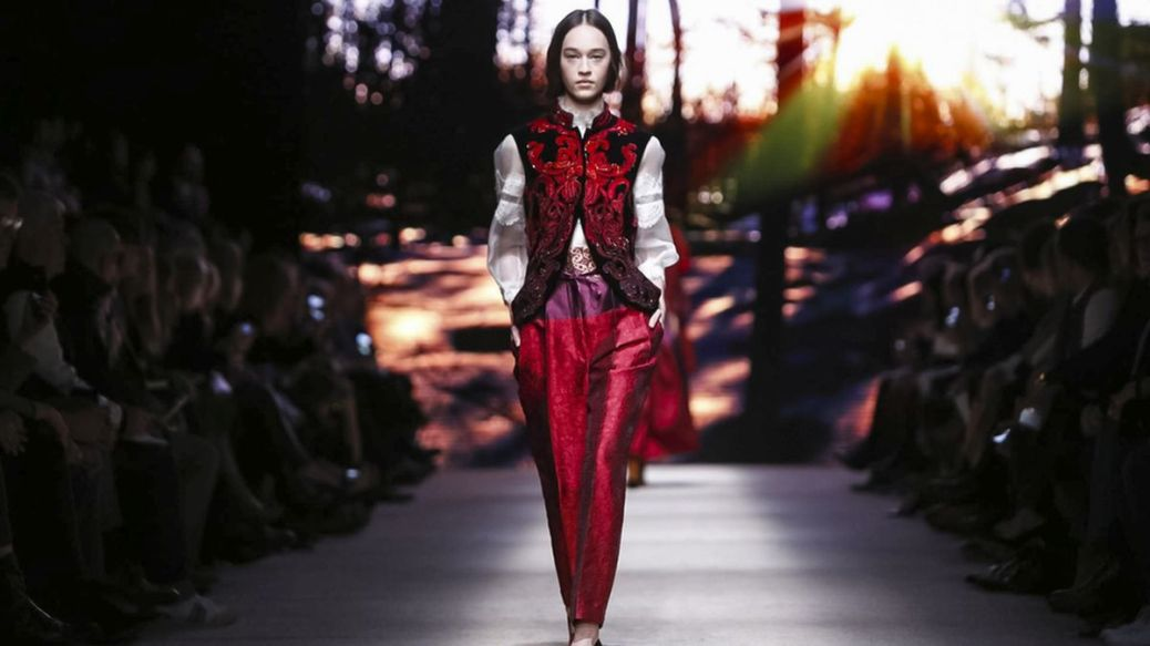 Alberta Ferretti Fall Winter 2015 Ready to Wear Collection in Milan