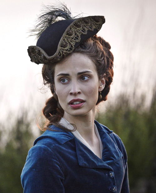 1 Elizabeth hat