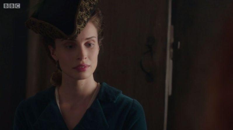 8 elizabeth's hat