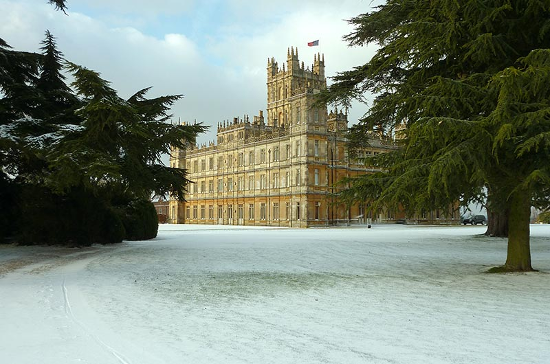 "Downton Abbey to do Another ""Text Santa"" Special – Ani & Izzy"