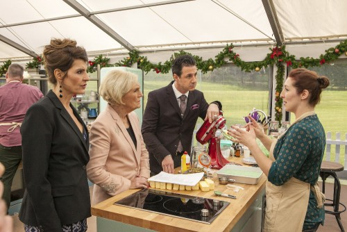 The-Great-Holiday-Baking-Show-Spoilers-Premiere-Recap-500x334