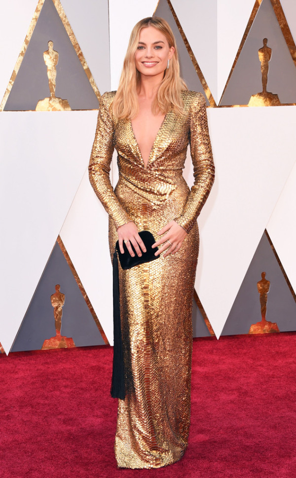 32 margot-robbie-in-tom-ford