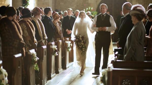 downton-abbey-s6-edith-wedding-ss-11-scale-690x390