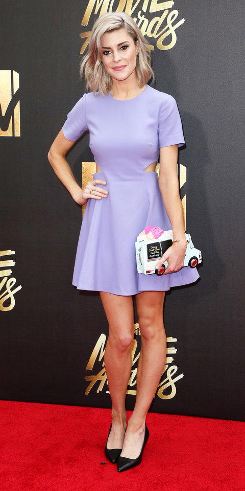 BURBANK, CALIFORNIA - APRIL 09:  Comedienne Grace Helbig attends the 2016 MTV Movie Awards at Warner Bros. Studios on April 9, 2016 in Burbank, California.  MTV Movie Awards airs April 10, 2016 at 8pm ET/PT.  (Photo by Frederick M. Brown/Getty Images)