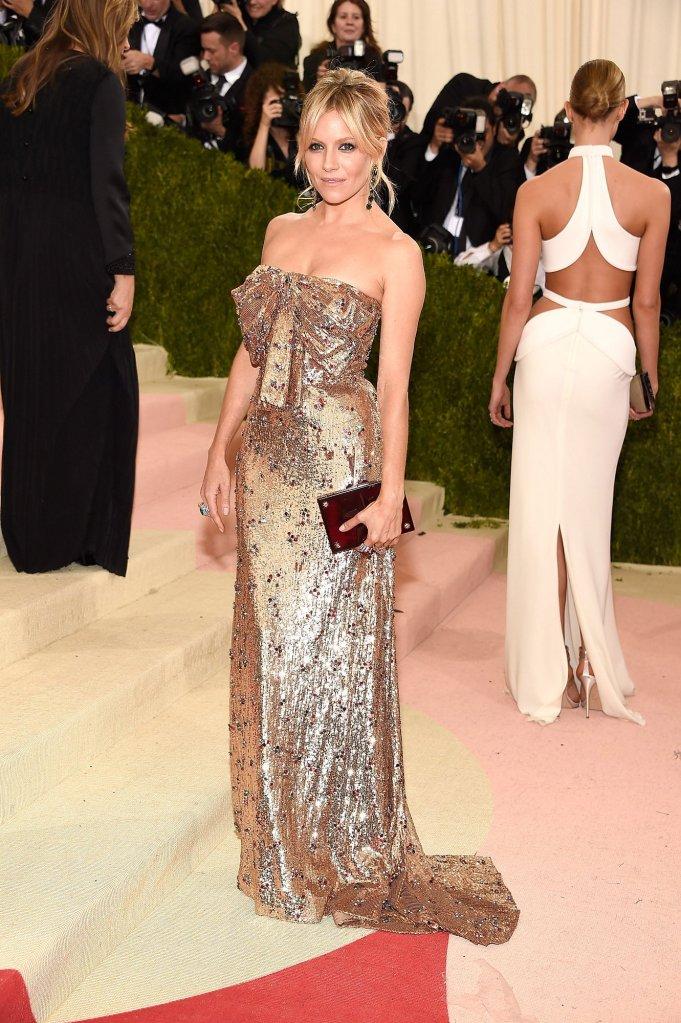 12 Sienna-Miller In Gucci