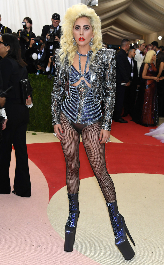 20 Lady-gaga In Atelier Versace