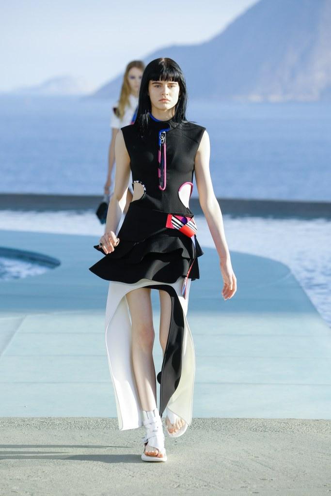 Louis Vuitton R17 04