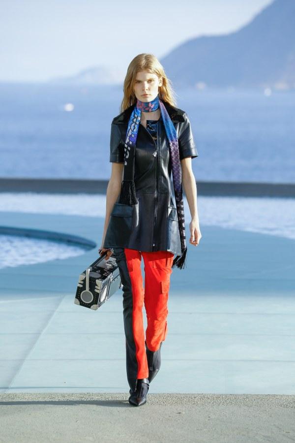 Louis Vuitton R17 12
