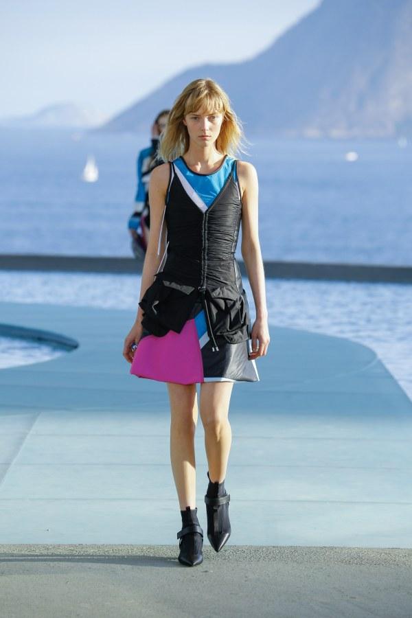 Louis Vuitton R17 24