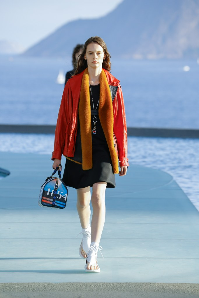 Louis Vuitton R17 26