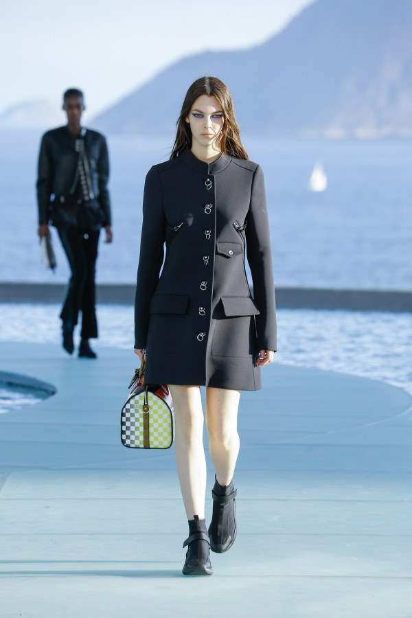 Louis Vuitton R17 29