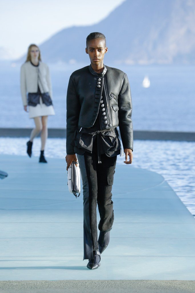 Louis Vuitton R17 30
