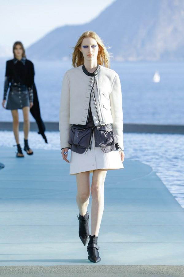 Louis Vuitton R17 31
