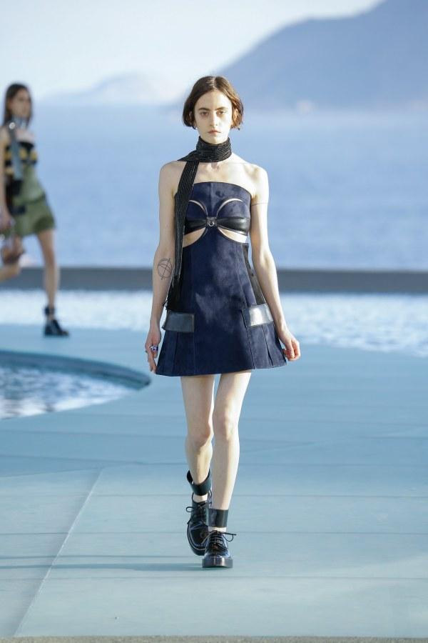 Louis Vuitton R17 33
