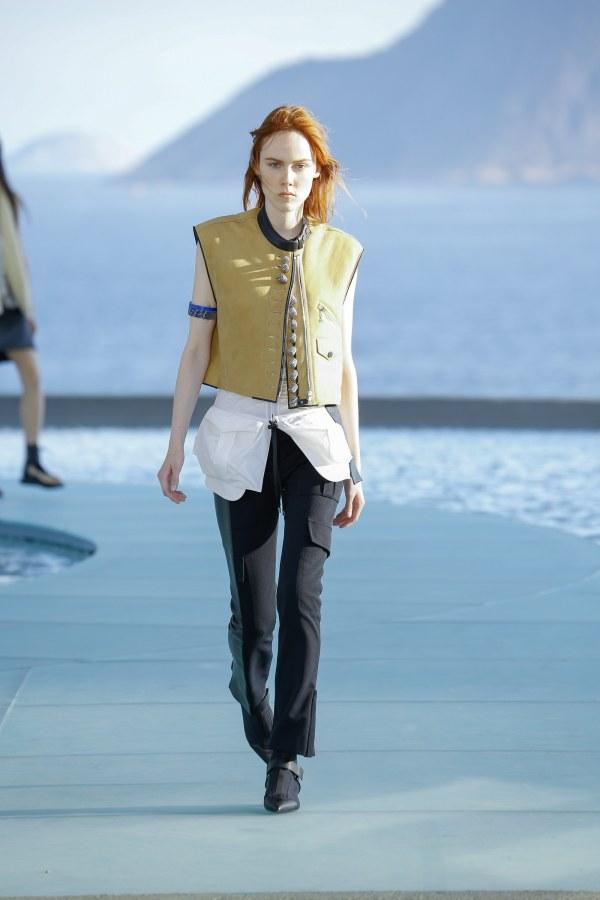Louis Vuitton R17 35