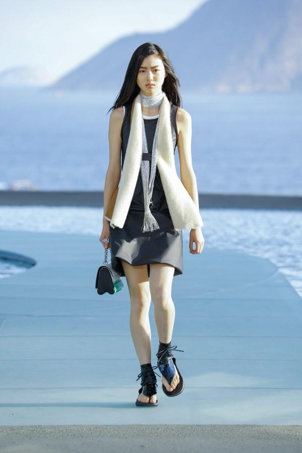 Louis Vuitton R17 36