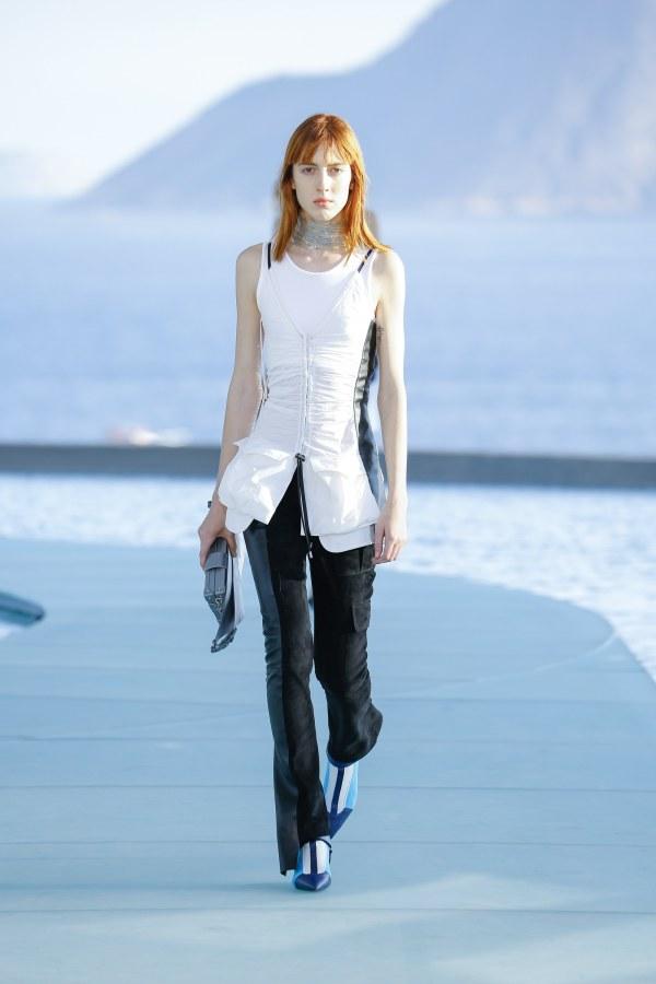 Louis Vuitton R17 37