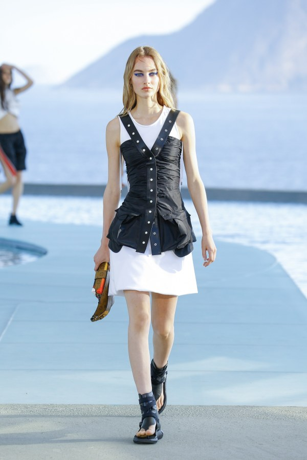 Louis Vuitton R17 38