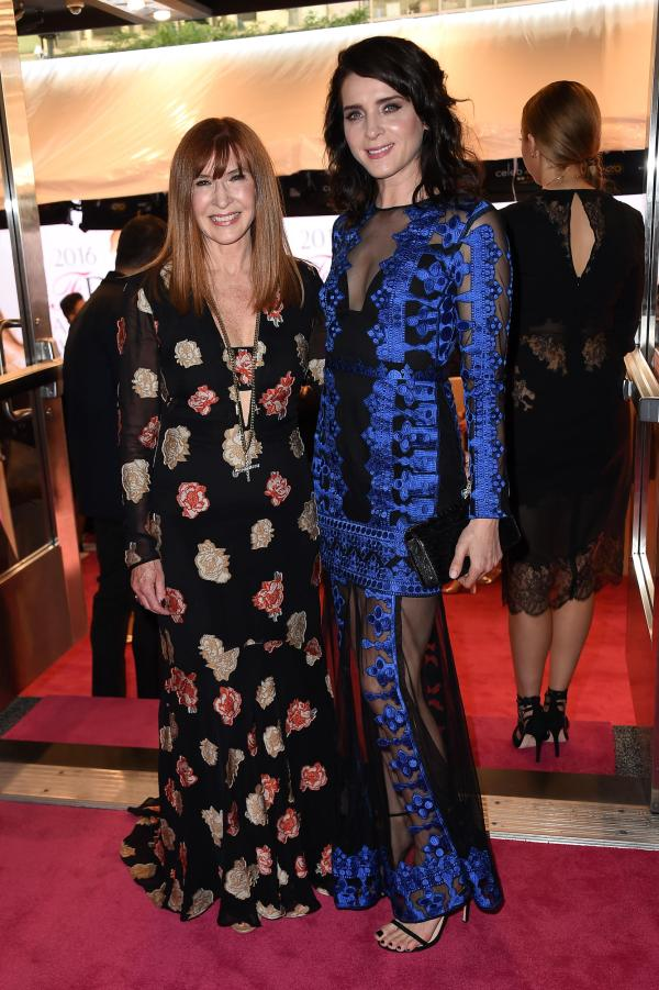 Michele Hicks in Nicole Miller