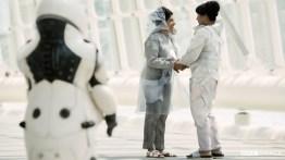Doctor Who S10 E02 – Kezzia (KIRAN L. DADLANI) and Goodthing (MINA ANWAR) © BBC