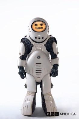 Doctor Who S10 E02 – Smile – Emojibot © BBC
